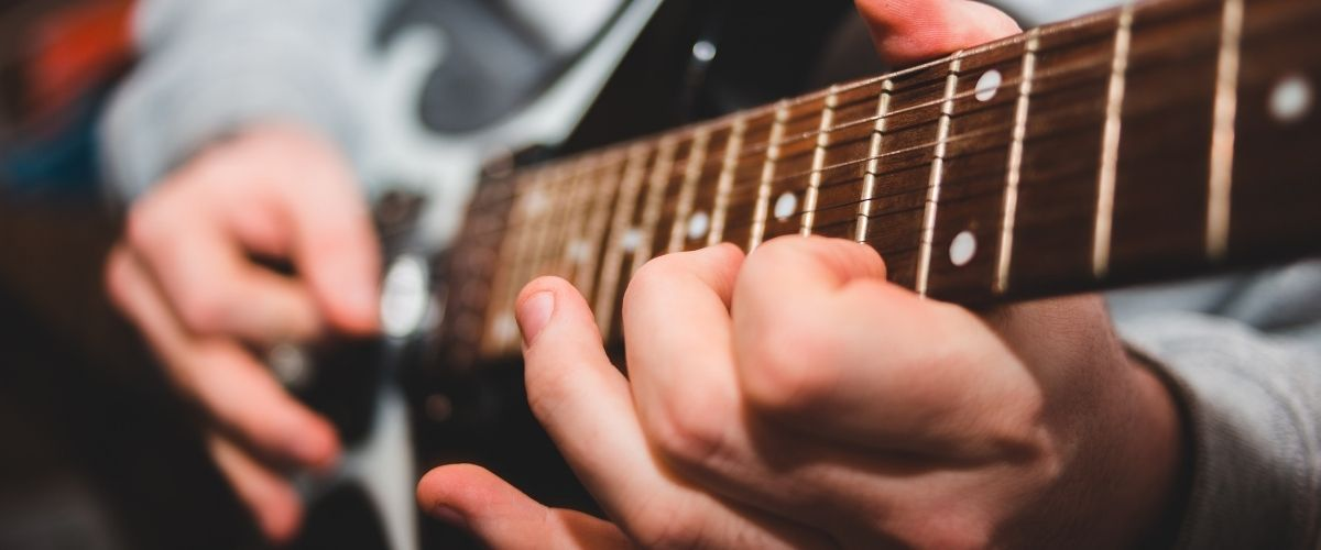 Clases de guitarra eléctrica online para principiantes