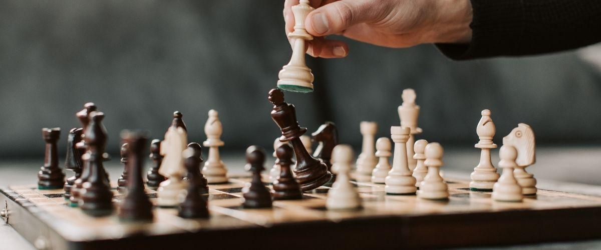 Cómo aprender ajedrez online gratis para principiantes